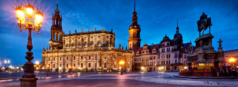 104981__dresden-deutschland-germany-dresden-germany-theatre-square-monument-light-lights-people_p